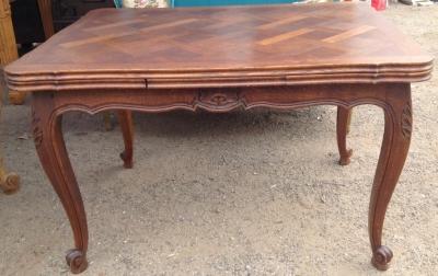 14C06016 DINING TABLE.JPG