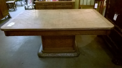 15E16 HAMMER METAL PEDESTAL BASE TABLE (1).jpg