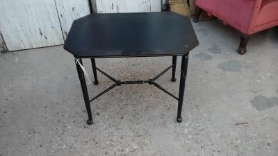 15F04 BLACK TRAY TABLE.jpg