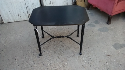 15F04 BLACK TRAY TABLE.jpg