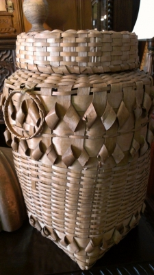 14d01499 WINNEBEGO TRIBE GOOSE DOWN BASKET