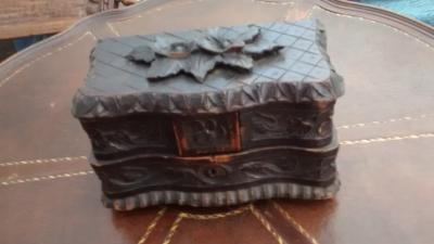 15F04 WOOD JEWELRY BOX (1).jpg