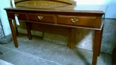 15F27349 CHIPPENDALE SOFA TABLE.jpg