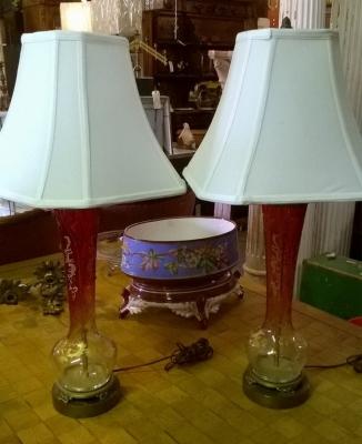 15F30601 PAIR OF RUBY CUT GLASS ENAMELD LAMPS (1).jpg