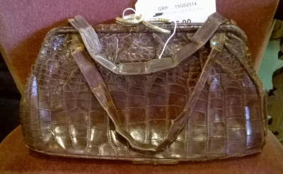 15G02514 AS IS ALLIGATOR PURSE.jpg