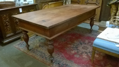 15G08 COLONIAL TABLE (1).jpg