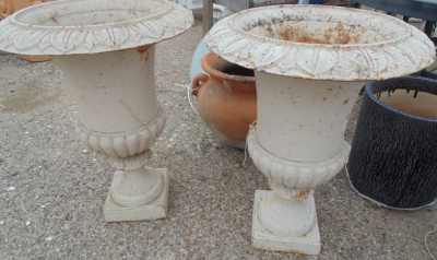 14D01503 PAIR LARGE WHITE URNS