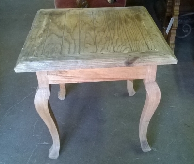 15G08 PINE END TABLE.jpg