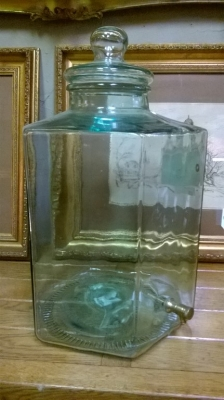 15G02512 GREEN DECANTER WITH SPOUT.jpg
