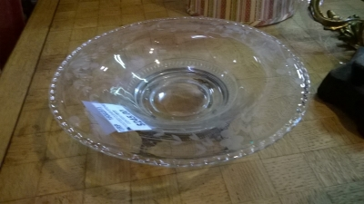 15G02513 FOOTED ETCHED GLASS CENTER PIECE.jpg