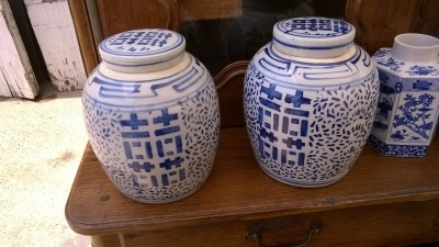 15G21017 GINGER JARS WITH LIDS.jpg