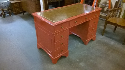 36-PAINTED LEATHER TOP KNEE HOLE DESK.jpg