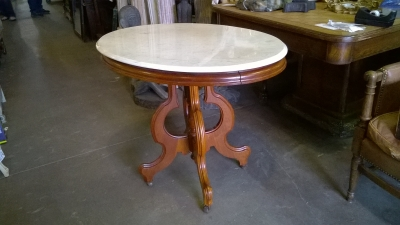 15G25011 OVAL MARBLE TOP VICTORIAN PARLOR TABLE (1).jpg