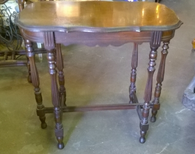 15G26002 1920S 6 LEGGED OCCASSIONAL TABLE.jpg