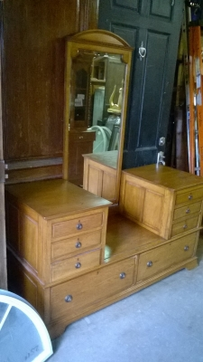 15G24500 ENGLISH OAK DROP CENTER DRESSER WITH MIRROR (2).jpg