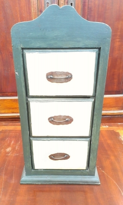 15G30004 TINY PAINTED CHEST.jpg