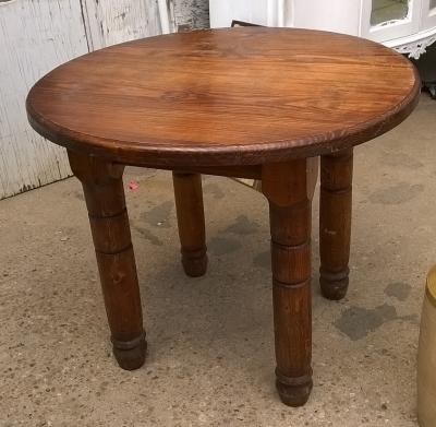 15G30021 ROUND PINE TABLE.jpg