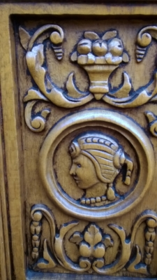 15H08 CARVED OAK CABINET (9).jpg