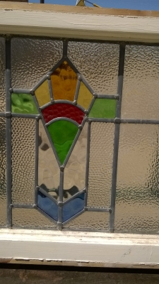 15H08 ENGLISH STAINED GLASS WINDOW (9).jpg