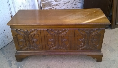 15H08 FRENCH GOTHIC CRAVED TRUNK.jpg
