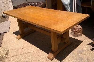 15H08 OAK TRESTLE TABLE.jpg