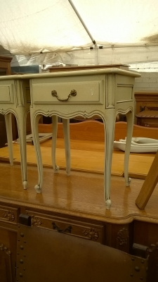 15H08 PAIR OF PAINTED LOUIS XV NIGHT STANDS (2).jpg
