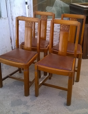 15H08 SET OF 4 ENGLISH PUB CHAIRS (1).jpg