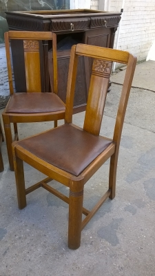 15H08 SET OF 4 ENGLISH PUB CHAIRS (3).jpg