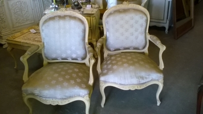 15G PAIR OF PAINTED LOUIS XV CHAIRS (1).jpg