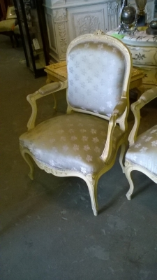 15G PAIR OF PAINTED LOUIS XV CHAIRS (2).jpg