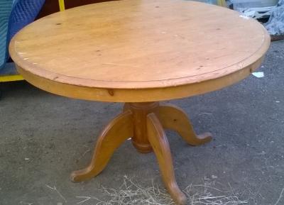 15G PINE ROUND PEDESTAL TABLE.jpg