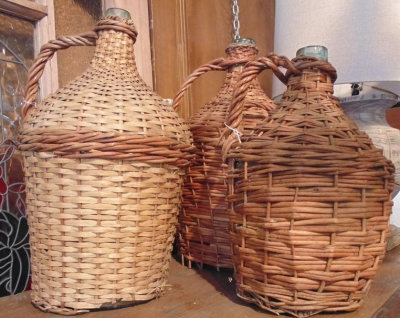 14D01505 WICKER WINE BOTTLES 1 OF 3 EACH