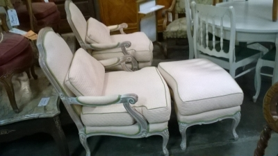 15H PAIR OF NOT OLD LOUIS XV CHAIRS AND OTTOMAN (3).jpg