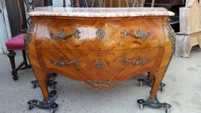 15H24 LOUIS XV MARBLE TOP COMMODE (2).jpg