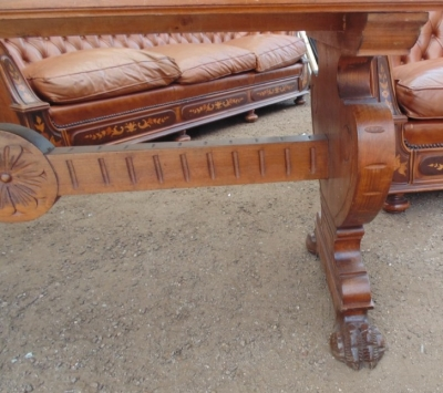 14D10002 ITALIAN WALNUT WRITING TABLE  (2).JPG