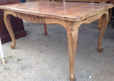 14C06015 LOUIS XV DINING TABLE.JPG