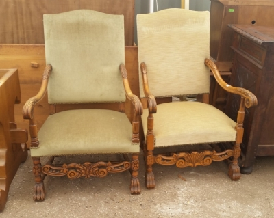 15I03  PAIR OF LOUIS XIII THRONE CHAIRS (1).jpg