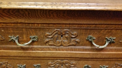 15I03 3 DRAWER LOUIS XV COMMODE (2).jpg