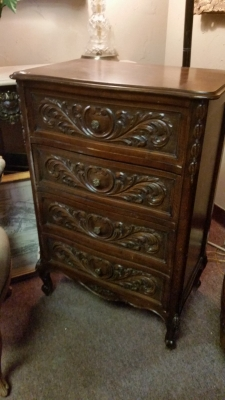 15I03 4 DRAWER LOUIS XV CHEST.jpg