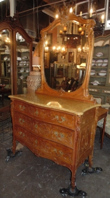 14D10005 LOUIS XV CARVED MARBLE TOP CHEST WITH MIRROR (1).JPG