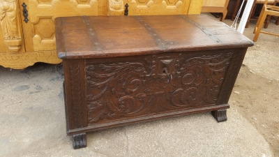 15I03 EARLY CARVED FRENCH COFFER (1).jpg