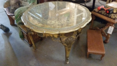 15I03 GILT LOW TABLE (1).jpg