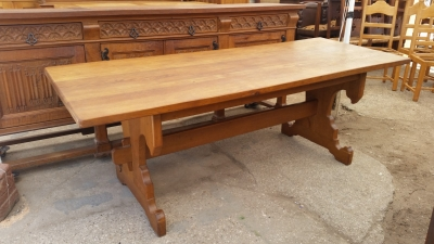 15I03 GOTHIC OAK TRESTLE TABLE (1).jpg