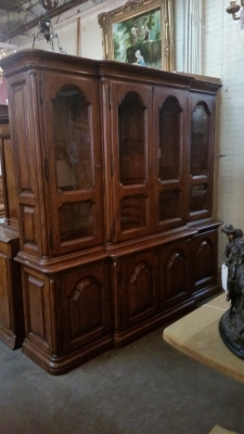 15I03 HEAVY OAK CHINA BOOKCASE DISPLAY (1).jpg