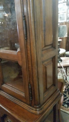 15I03 HEAVY OAK CHINA BOOKCASE DISPLAY (2).jpg