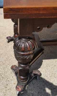 15I03 LARGE BULBOUS LEG DRAWLEAF TABLE (2).jpg