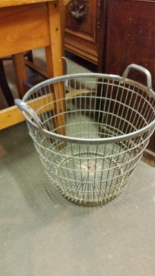 15I03 METAL BASKET.jpg