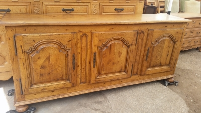 15I03 OAK SIDEBOARD (2).jpg