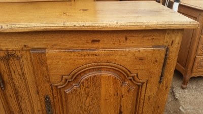 15I03 OAK SIDEBOARD (3).jpg