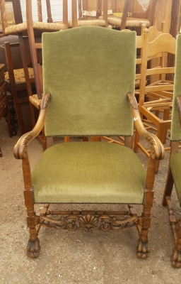 15I03 PAIR OF FRENCH THRONE CHAIRS (2).jpg